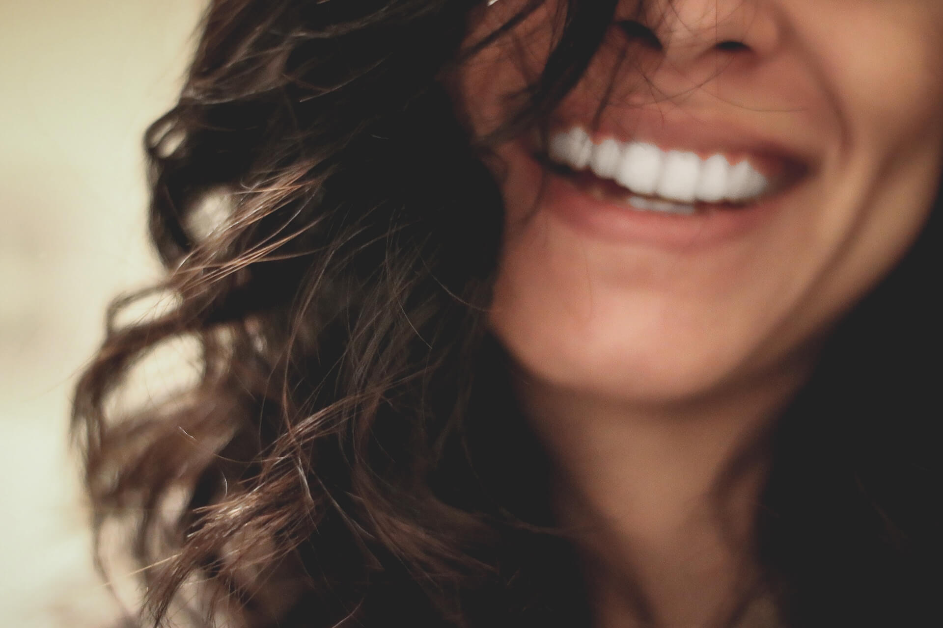 ¿Qué es la ortodoncia lingual?